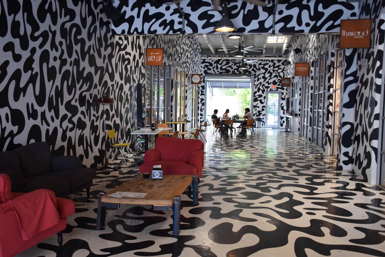 Uma das galerias com lojas descoladas, em Wynwood, Miami