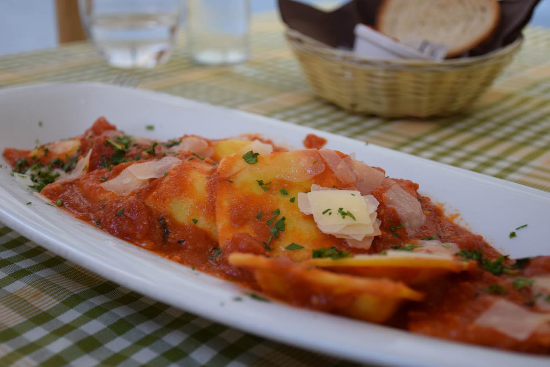 Meu prato: Raviolis recheados com queijo de cabra - tradicional de Malta