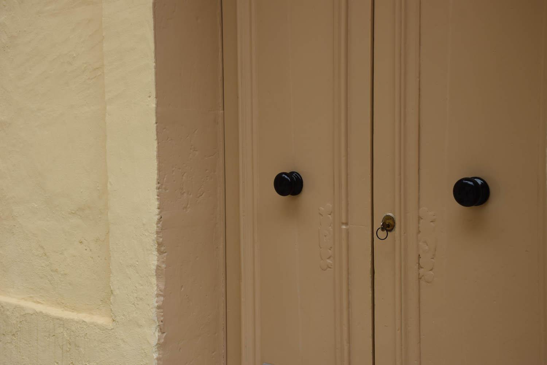 Gozo é tão segura que as pessoas fecham a porta da casa com a chave pra fora! hehehe
