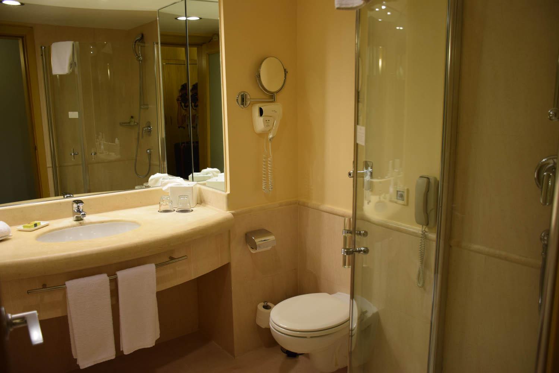 Banheiro do meu quarto | Hotel InterContinental Malta - St. Julian's