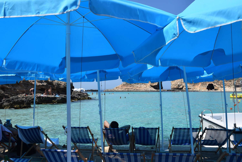 Cadeirinhas para alugar na Blue Lagoon - Comino - Malta