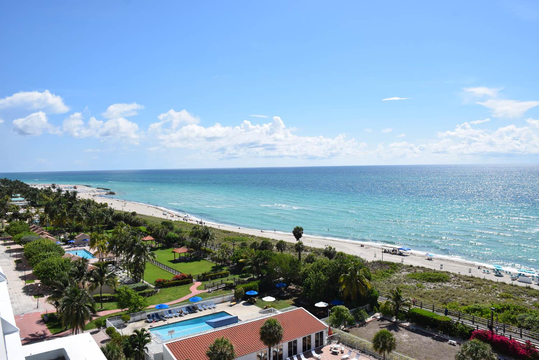 Mid-Beach, Miami Beach, vista do rooftop do hotel Metropolitan By COMO