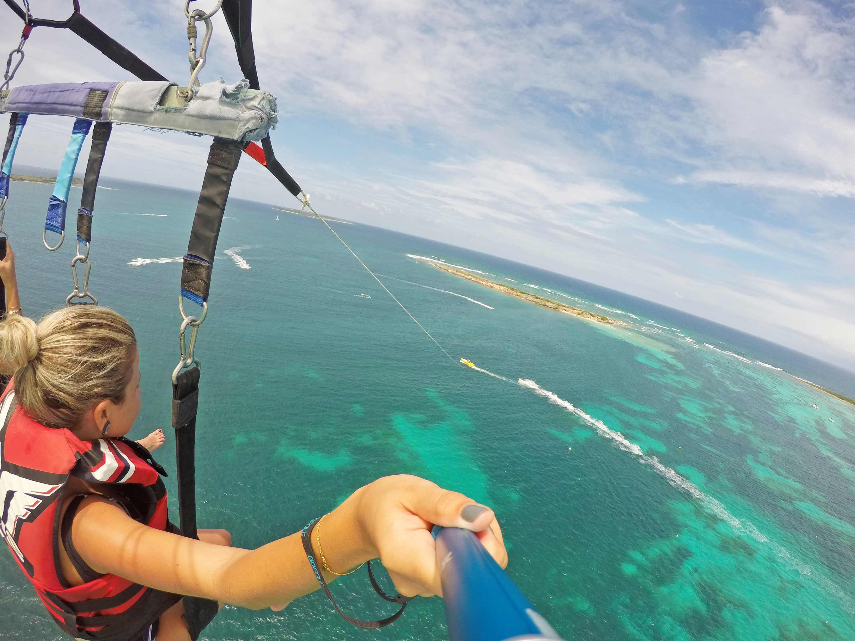 dicas de st martin caribe orient bay parasailing