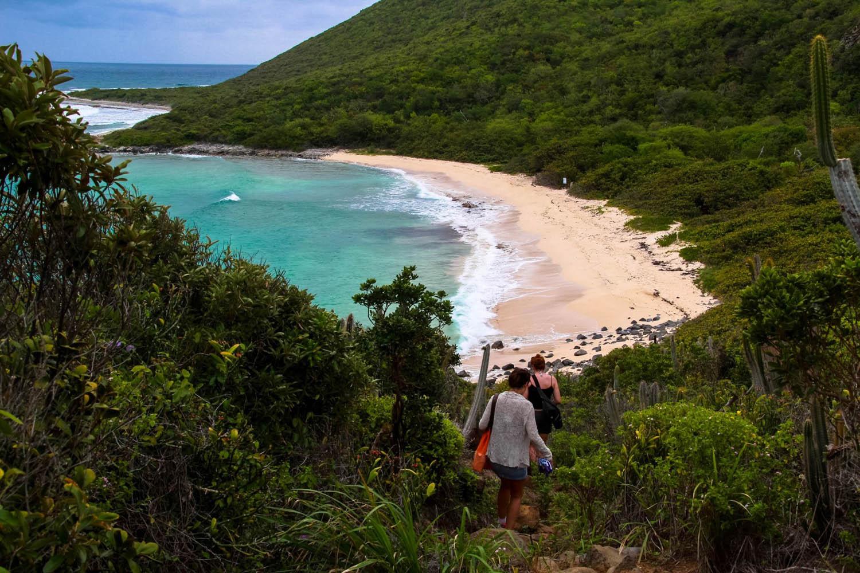 Chegando na praia Petites Cayes