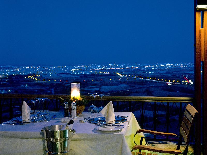 De Mondion Restaurant, no hotel The Xara Palace, em Mdina - Malta | foto: malta.com