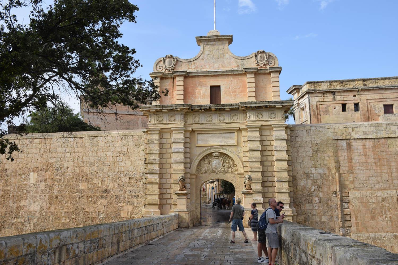 Mdina Gate - entrada da cidade murada | Malta