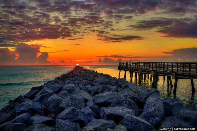 Pôr do sol no South Pointe Park no extremo sul de South Beach | photo by  Kim Seng para Flickr (CC)