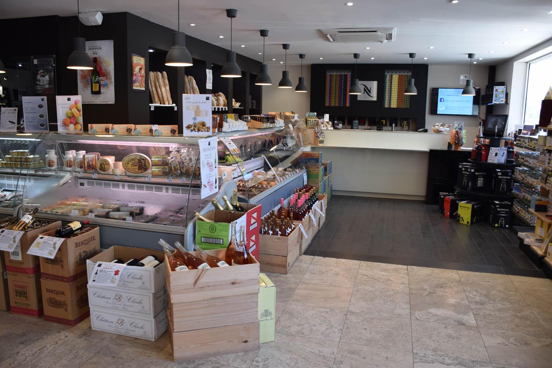 Empório da Bacchus - muitos produtos ótimos para comprar em St. Martin