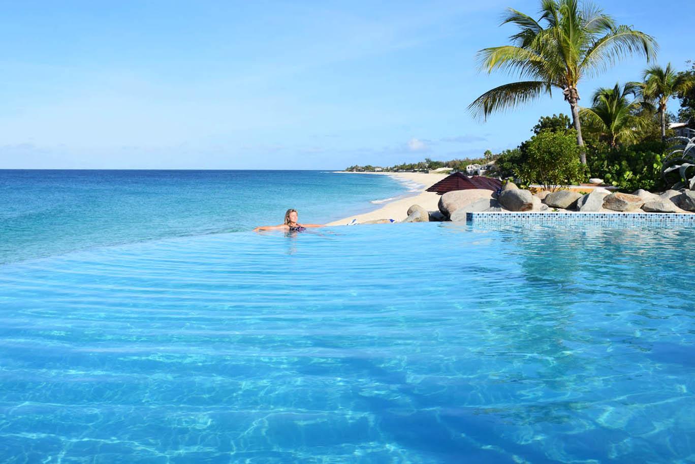 ... e a outra piscina, com borda infinita! Hotel Belmond La Samanna - St. Martin