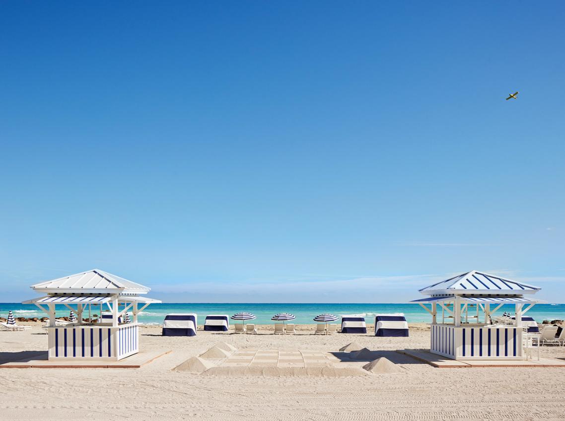 Estrutura de praia do hotel The Edition, Miami Beach (Mid-Beach)