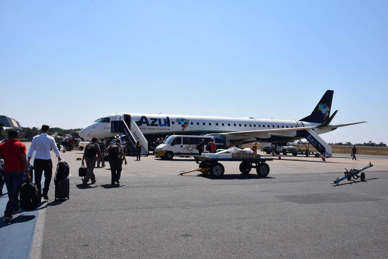 Avião da Azul no aeroporto de Cuiabá para ir a Alta Floresta