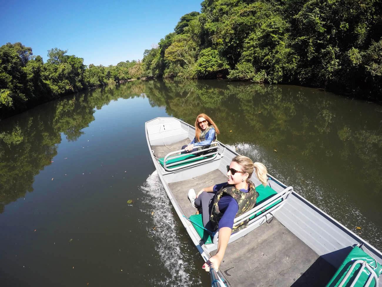 No barco, a caminho da Trilha da Castanheira - Cristalino Lodge - Amazônia