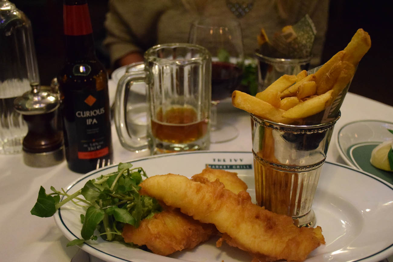 Tradicional Fish & Chips | The IVY Market Grill em Covent Garden - Londres