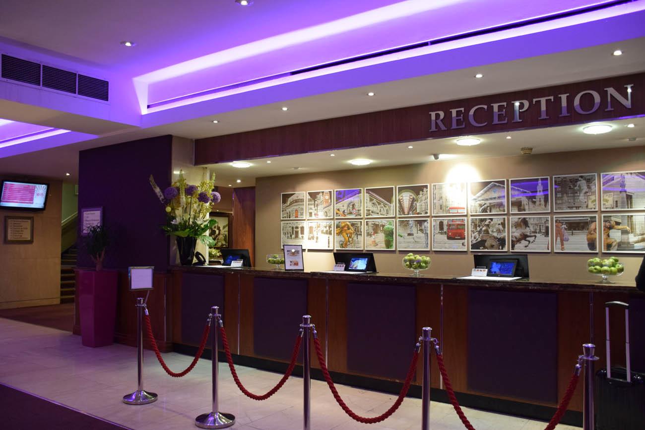 Recepção - Strand Palace Hotel - Londres