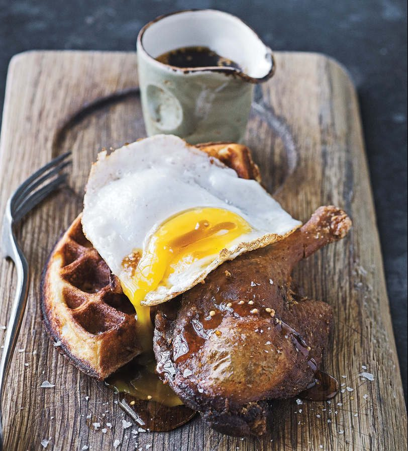 Prato que dá nome à casa: pato e waffle | foto: divulgação