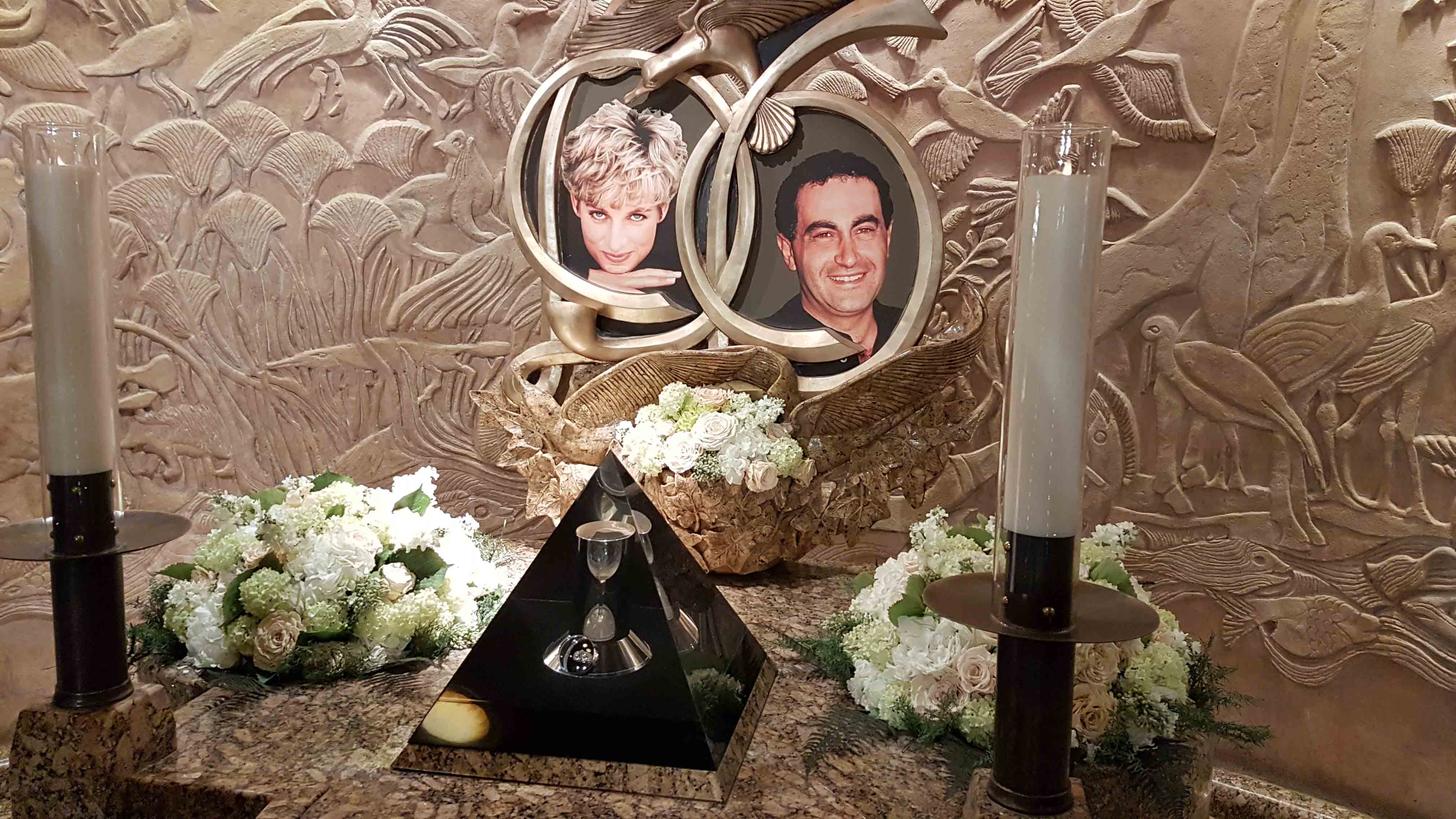 Bizarrices da Harrods - memorial da Princesa Daiana e Doddi Fayed