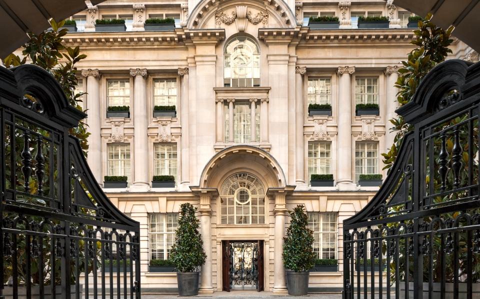 Entrada do hotel Rosewood London | foto: divulgação