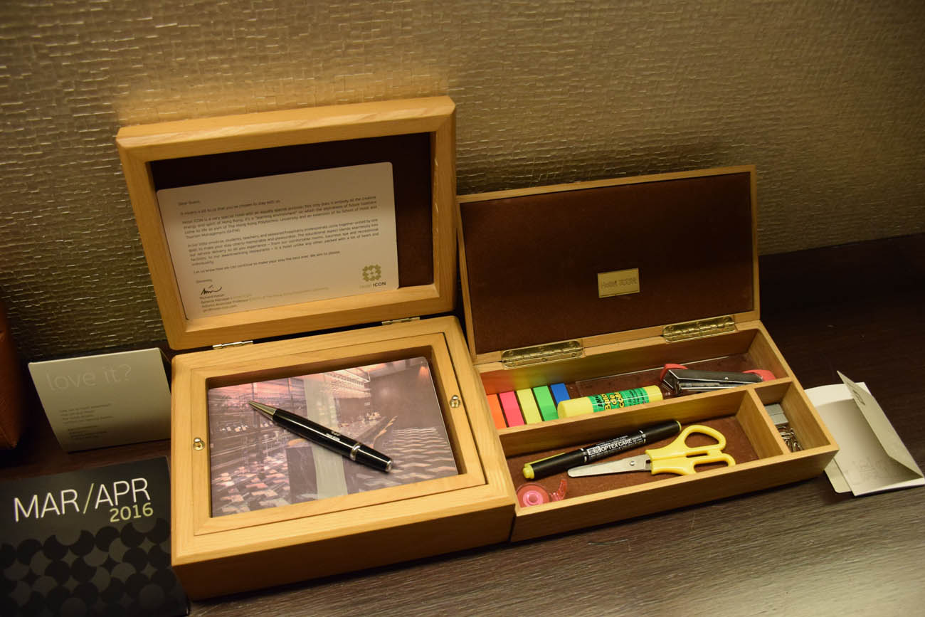 Kit papelaria no quarto - Hotel ICON Hong Kong