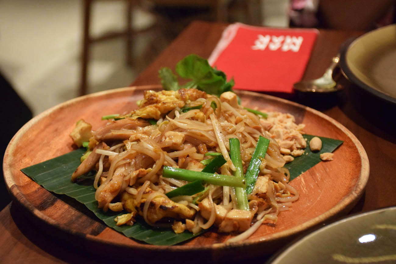 Meu pad thai no Mak Mak Restaurant, Hong Kong