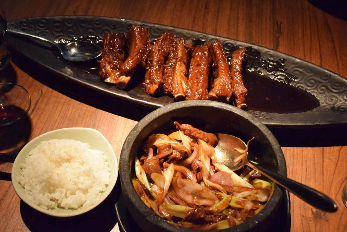 Melhores costelinhas e filé mignon da vida - Restaurante Hutong, Hong Kong