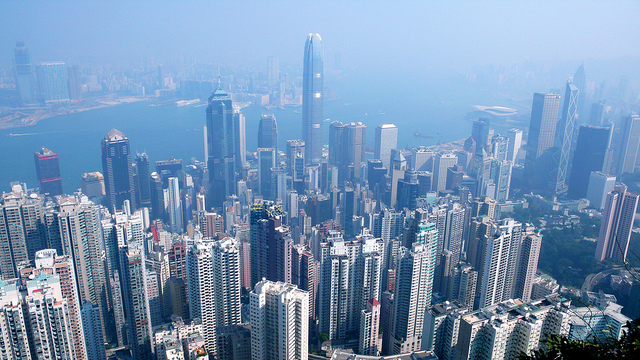Skyline de Hong Kong visto do Victoria Peak | foto: Christopher Lance para Flickr (CC)