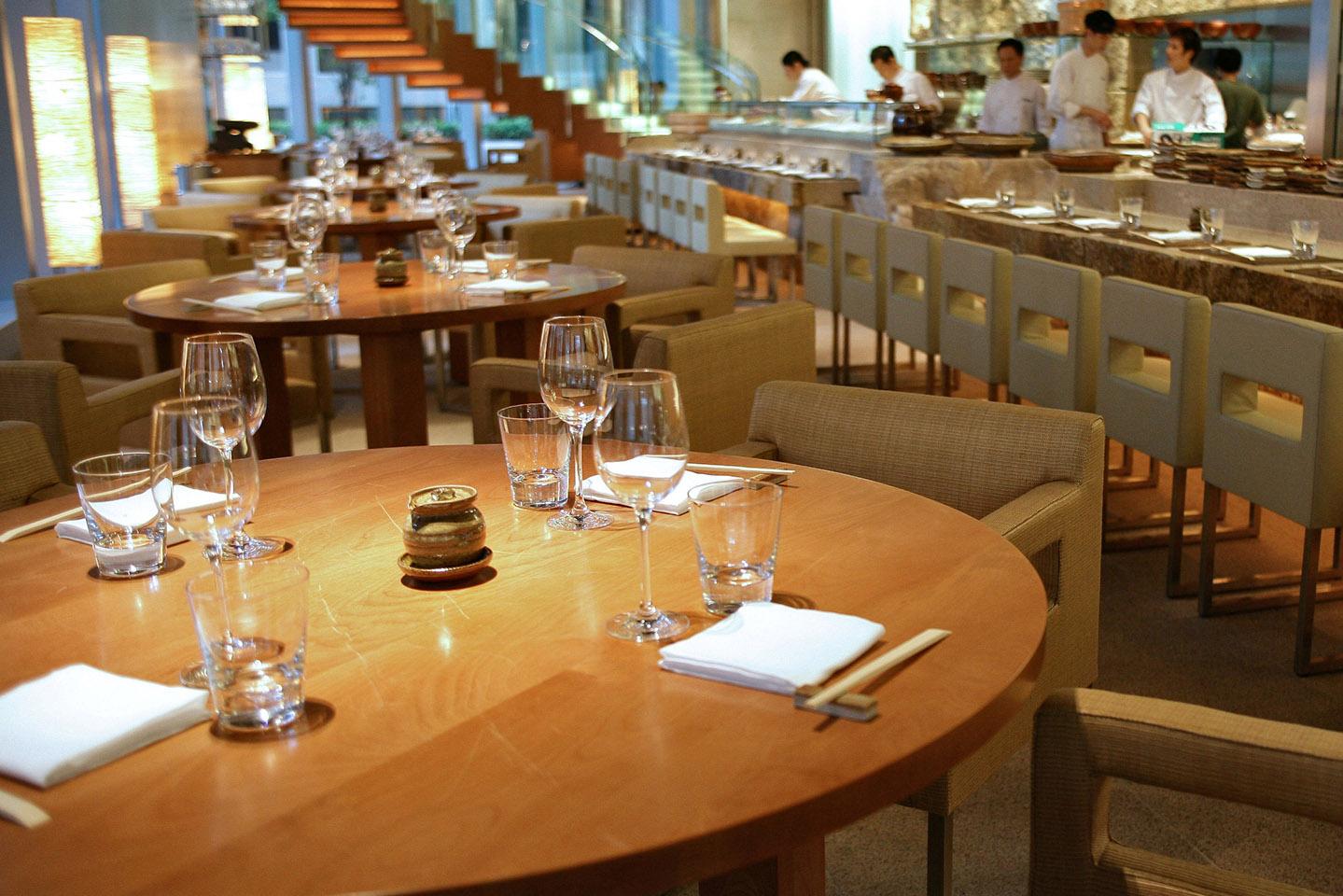 Restaurante japonês Zuma, no The Landmark em Hong Kong | foto: divulgação