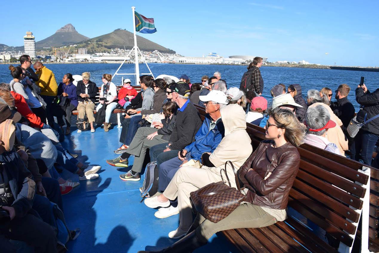 Balsa para Robben Island - não esqueça o casaco!!! Venta e faz muuuito frio no trajeto!!