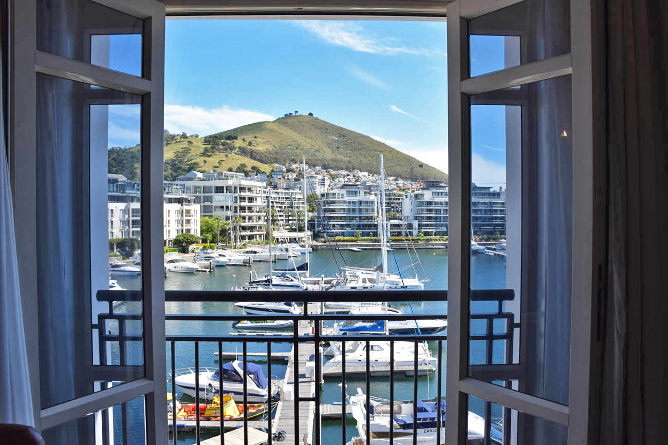 Janela do nosso quarto no Cape Grace Hotel - Cape Town