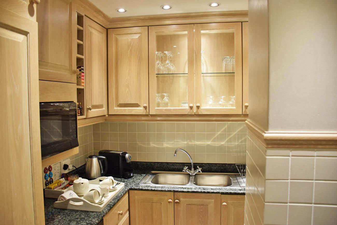 2-Bedroom Suite - Cozinha | Cape Grace Hotel, Cape Town