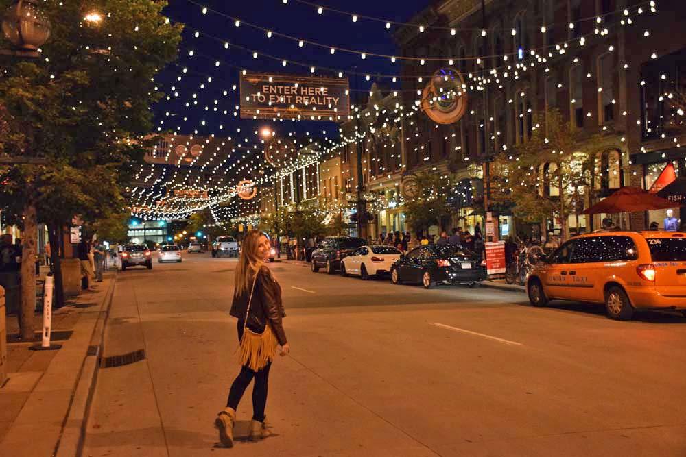 Larimer Street - Denver Downtown: rua linda cheia de restaurantes gostosos!