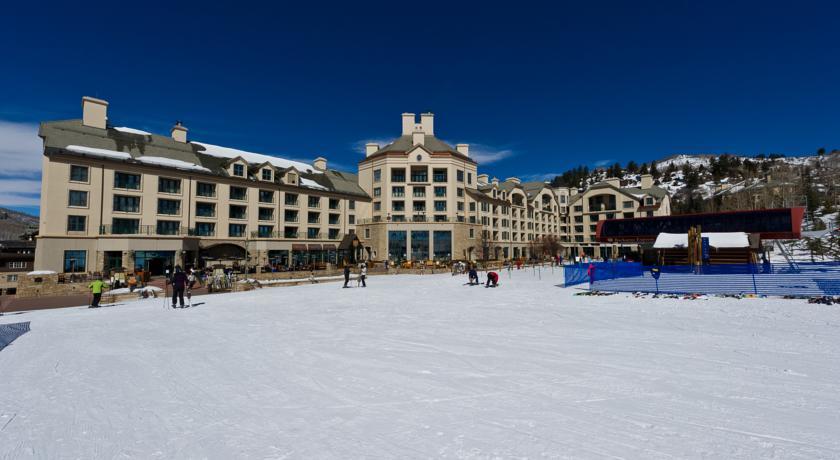 Hotel Park Hyatt Beaver Creek no inverno - do quarto para as pistas!! | foto: divulgação