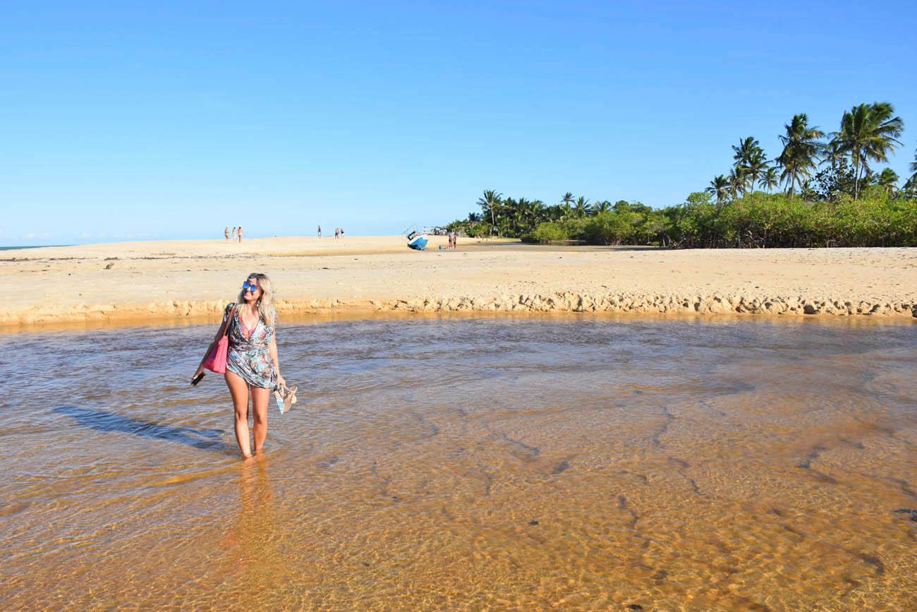 Deixando a Praia Barra do Rio Trancoso e chegando na Praia dos Nativos | Créditos: Lala Rebelo