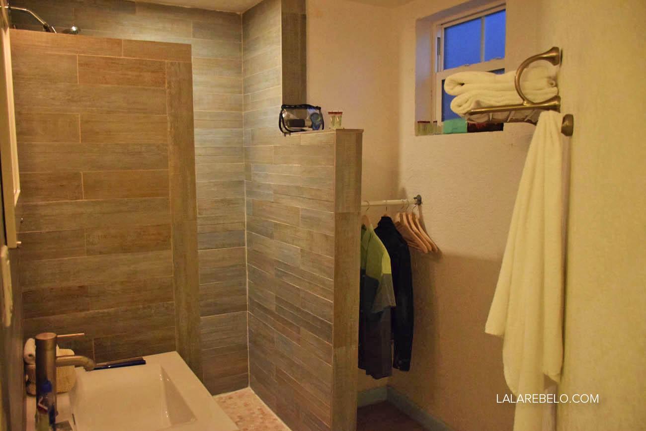 Banheiro do quarto - Hotel Paradise Bay em Great Exuma - Bahamas