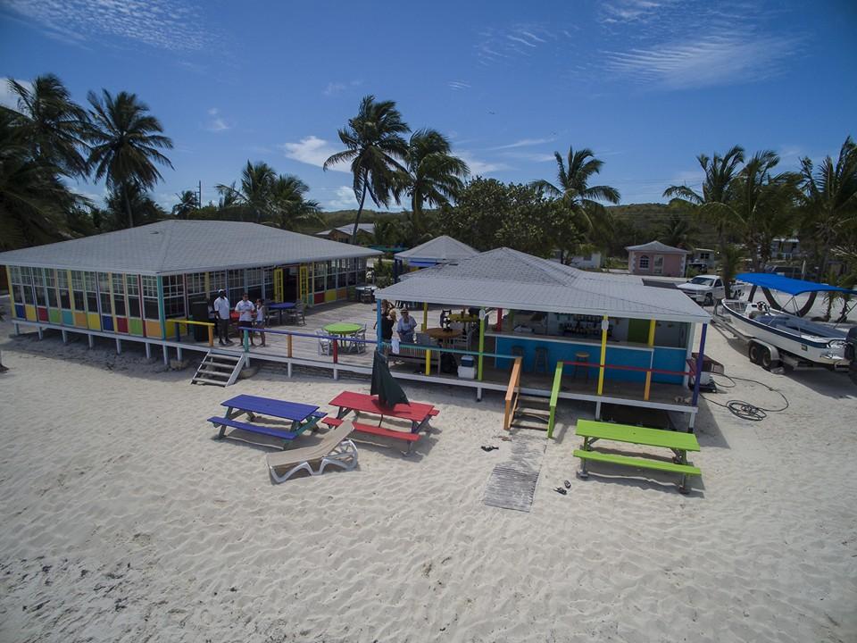 Restaurante Big D's Conch Spot - Flamingo Bay - Great Exuma - Bahamas | Créditos: divulgação