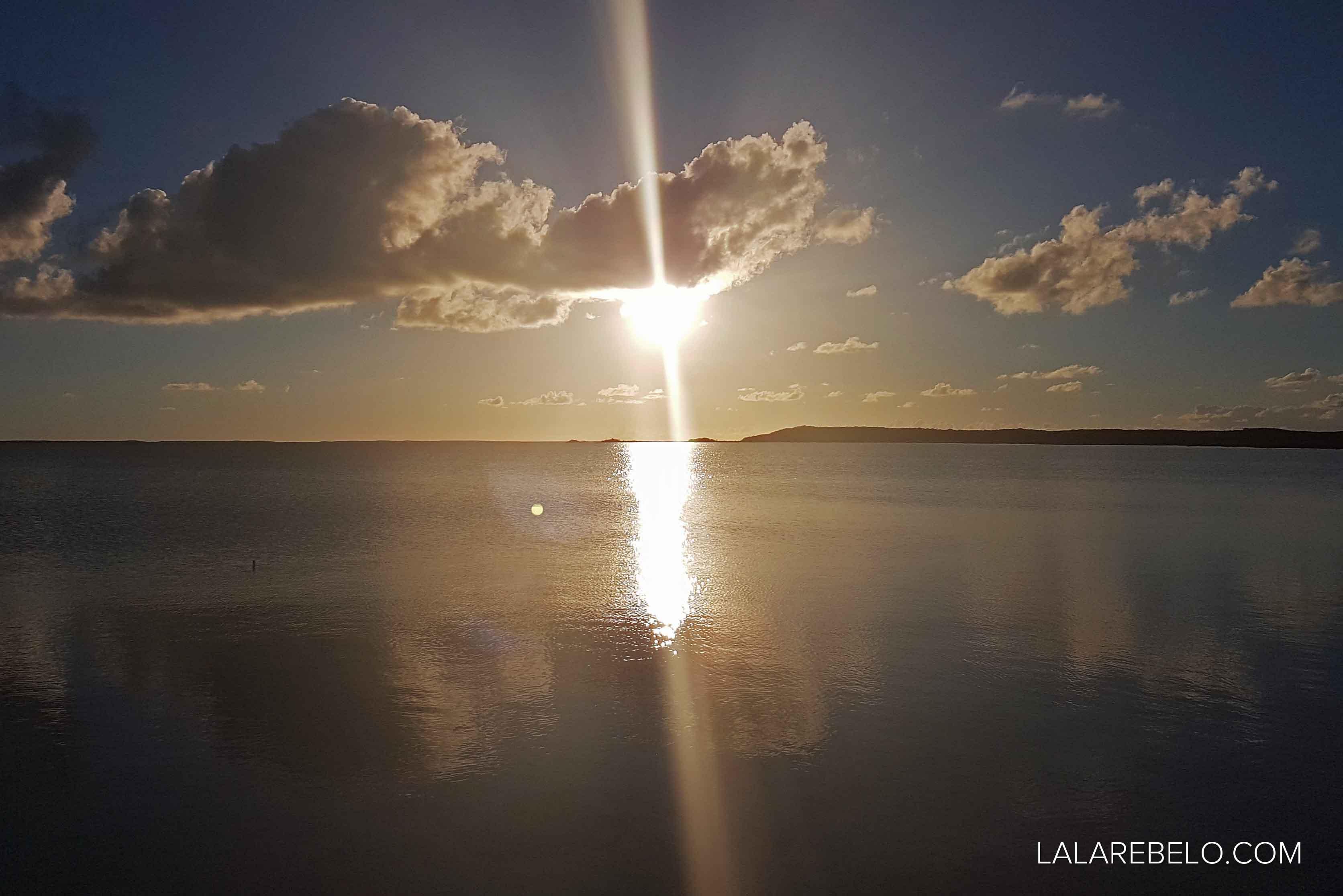Pôr do sol no Catch a Fire Sunset Bar - Great Exuma - Bahamas