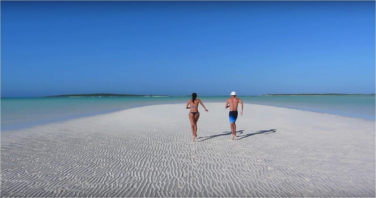 Coco Plum Beach, Great Exuma | Créditos: youtube /barbiedegainza (clique na foto)