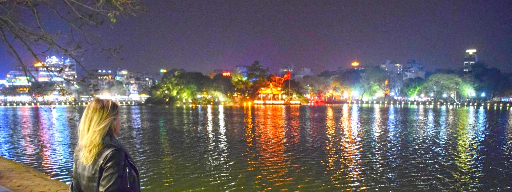 Lago Hoan Kiem no Old Quarter de Hanoi, Vietnã | Créditos: Lala Rebelo