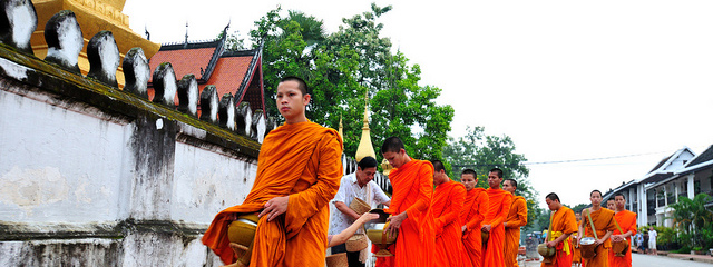 Monges em Luang Prabang, Laos | Créditos: llee_wu/Flickr