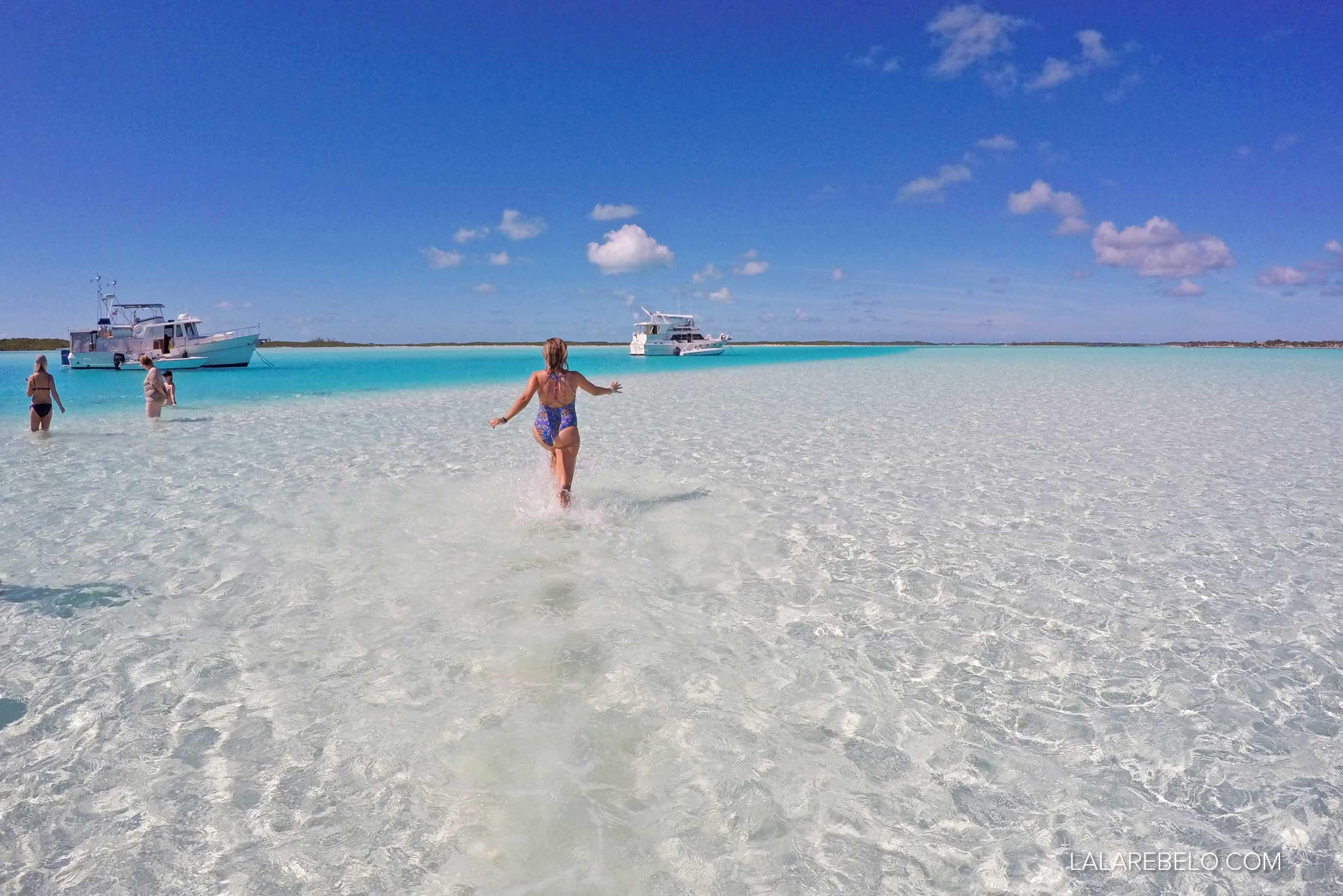 Não dá para não ser MUITO FELIZ nesse lugar!! Sandbar em Exuma Cays - Bahamas
