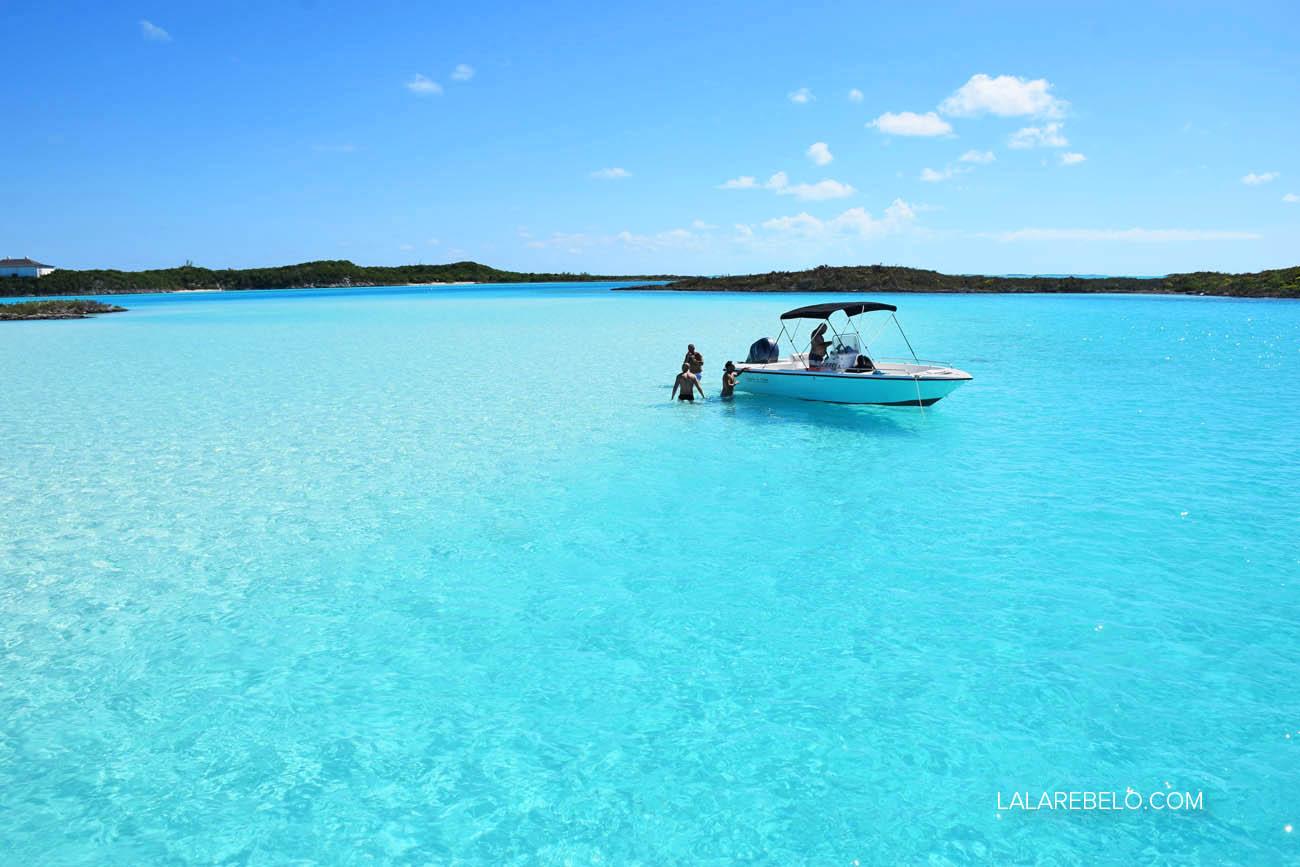 Chegando no sandbar, em Exuma, Bahamas