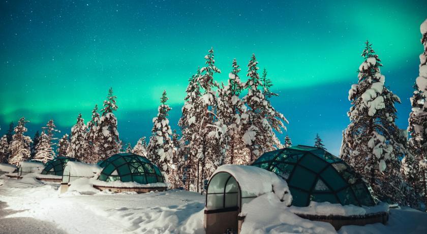 Aurora boreal vista no Kakslauttanen Arctic Resort | Créditos: divulgação