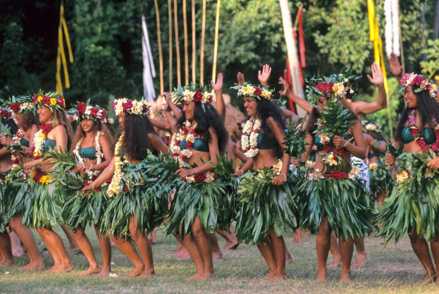 Música, dança e flores da Polinésia Francesa | © GIE TAHITI TOURISME – Shigeo Kobayashi
