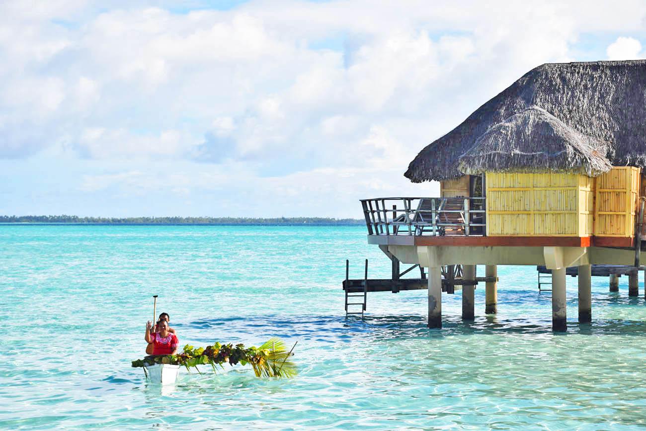 Os polinésios e seus barcos de madeira (pirogue)