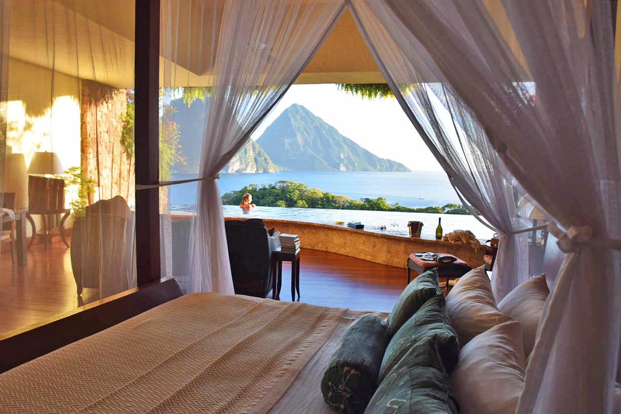 Quarto completamente aberto para a natureza - Jade Mountain | foto: Lala Rebelo