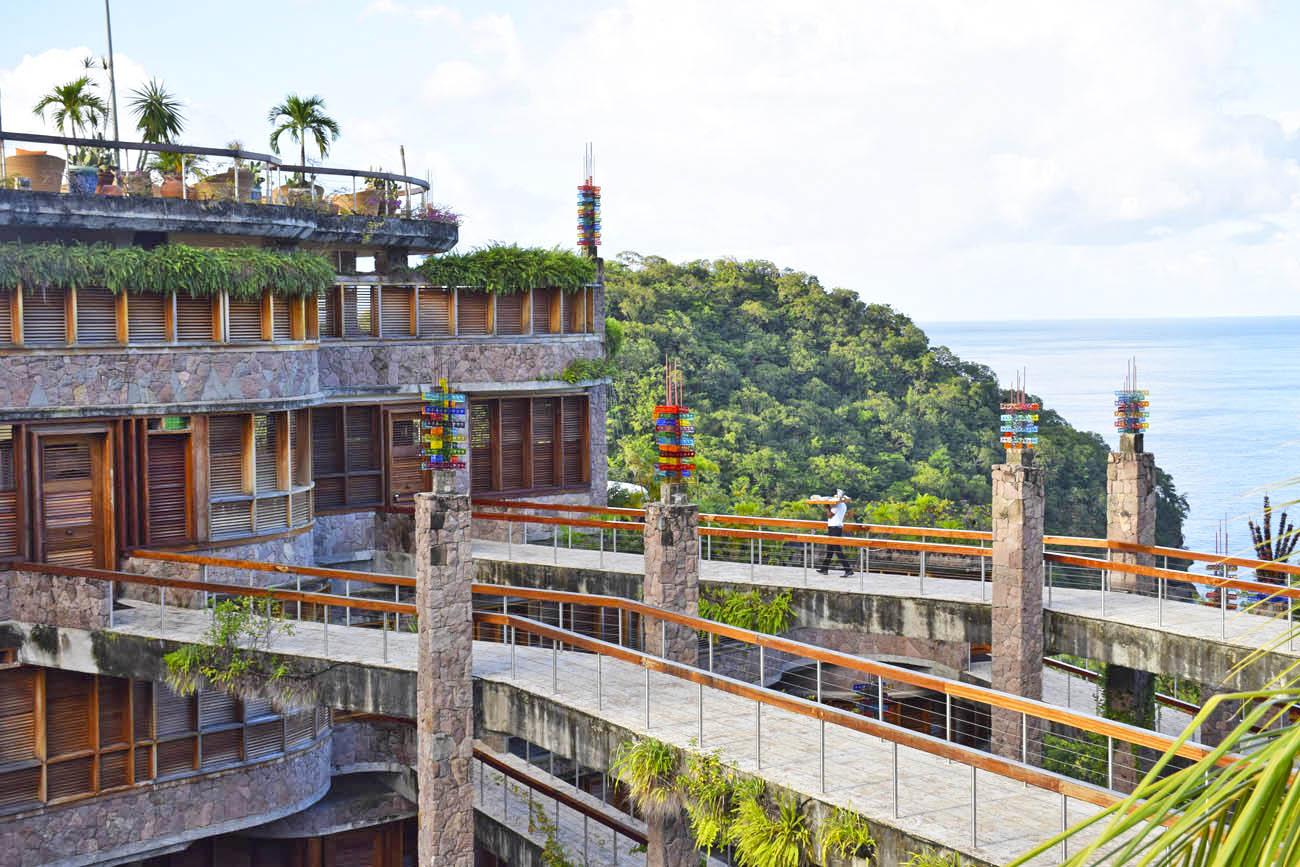 Passarelas que dão acesso aos quartos - Jade Mountain - St Lucia | foto: Lala Rebelo