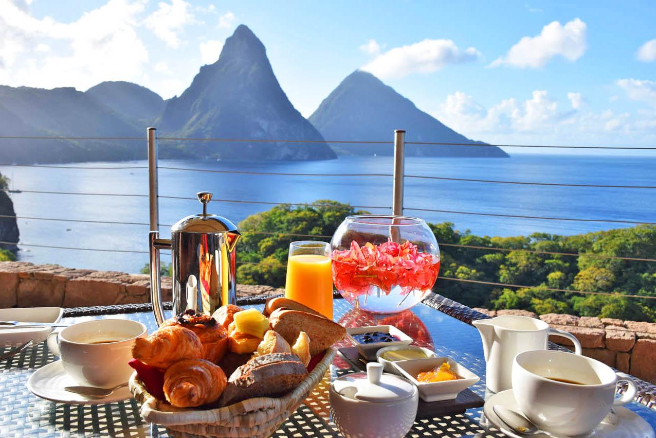 Café da manhã do Jade Mountain, com vista para os Pitons