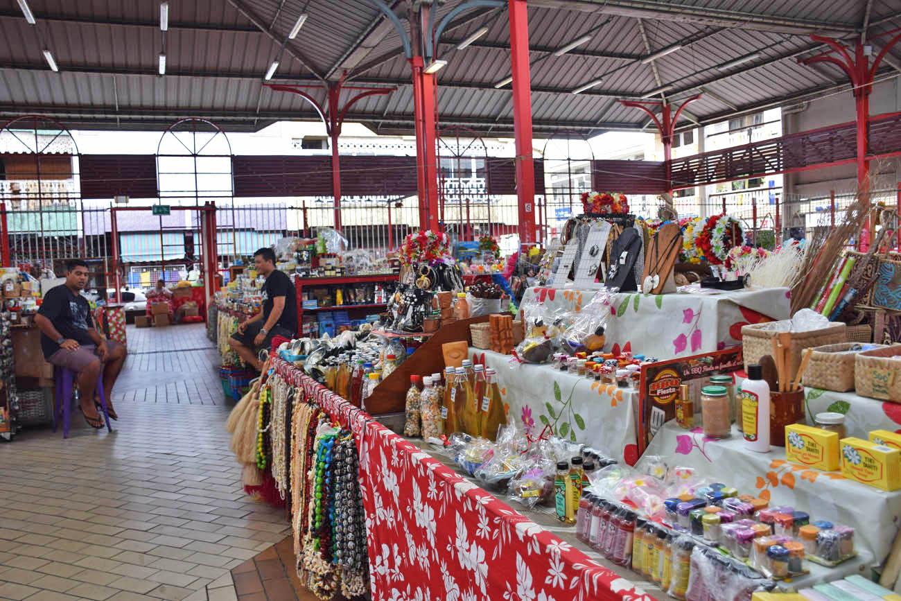 Marché de Papeete - para comprar lembranças e produtos típicos | foto: Lala Rebelo