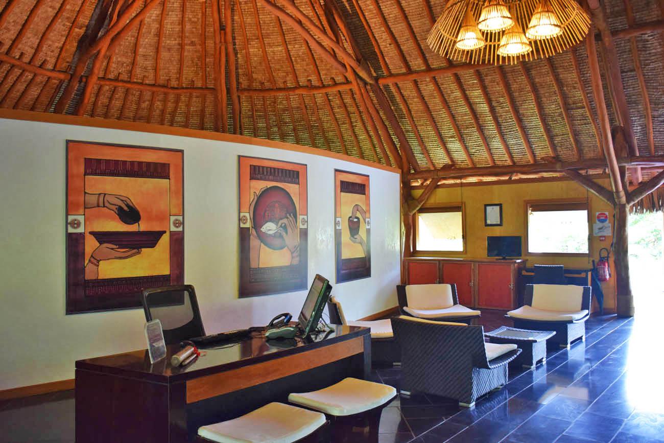 Lobby (bem rústico) - Hotel Maitai Lapita Village, Huahine | foto: Lala Rebelo