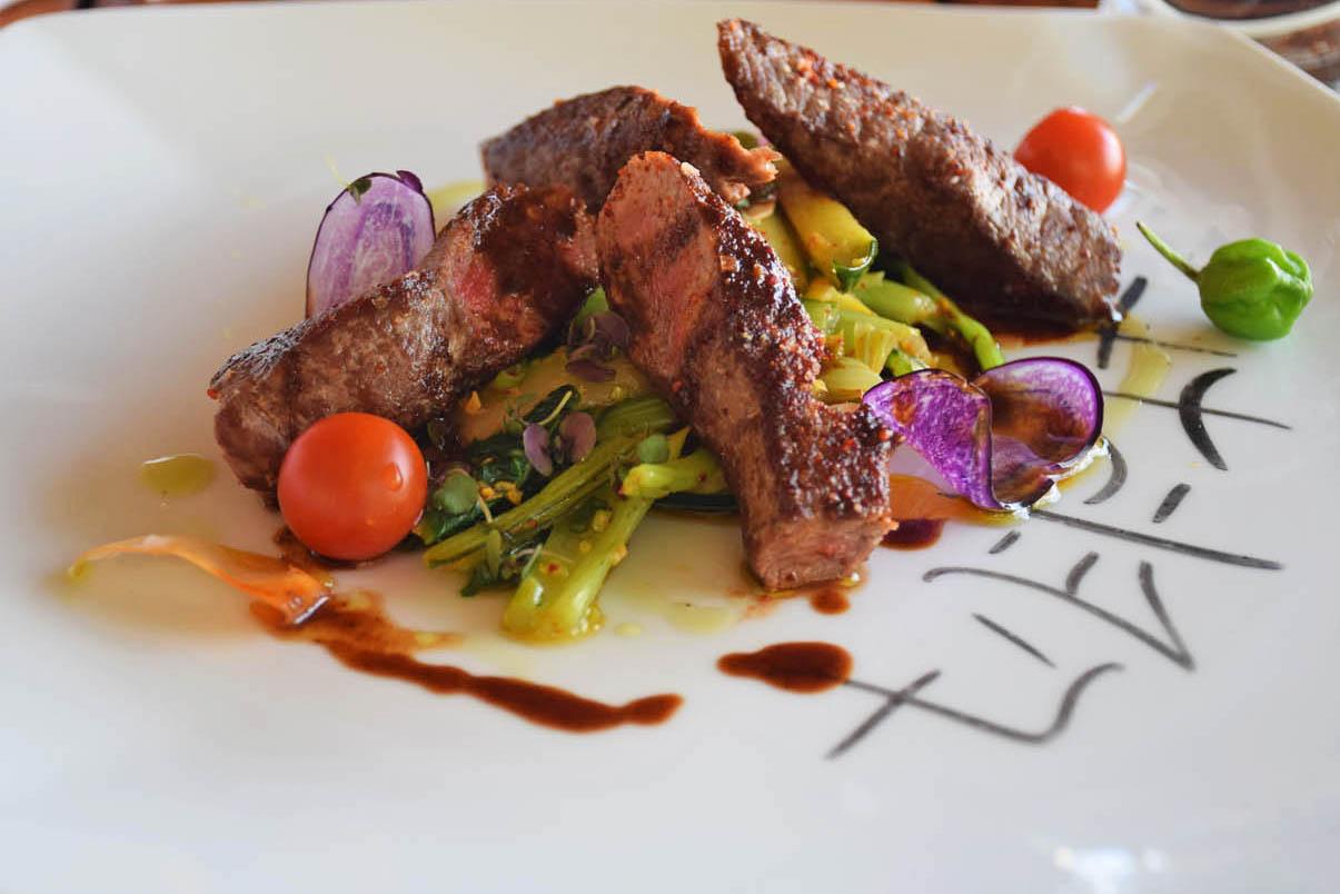 Meu prato delicioso no Restaurante La Plage - Le Taha'a Island Resort | foto: Lala Rebelo