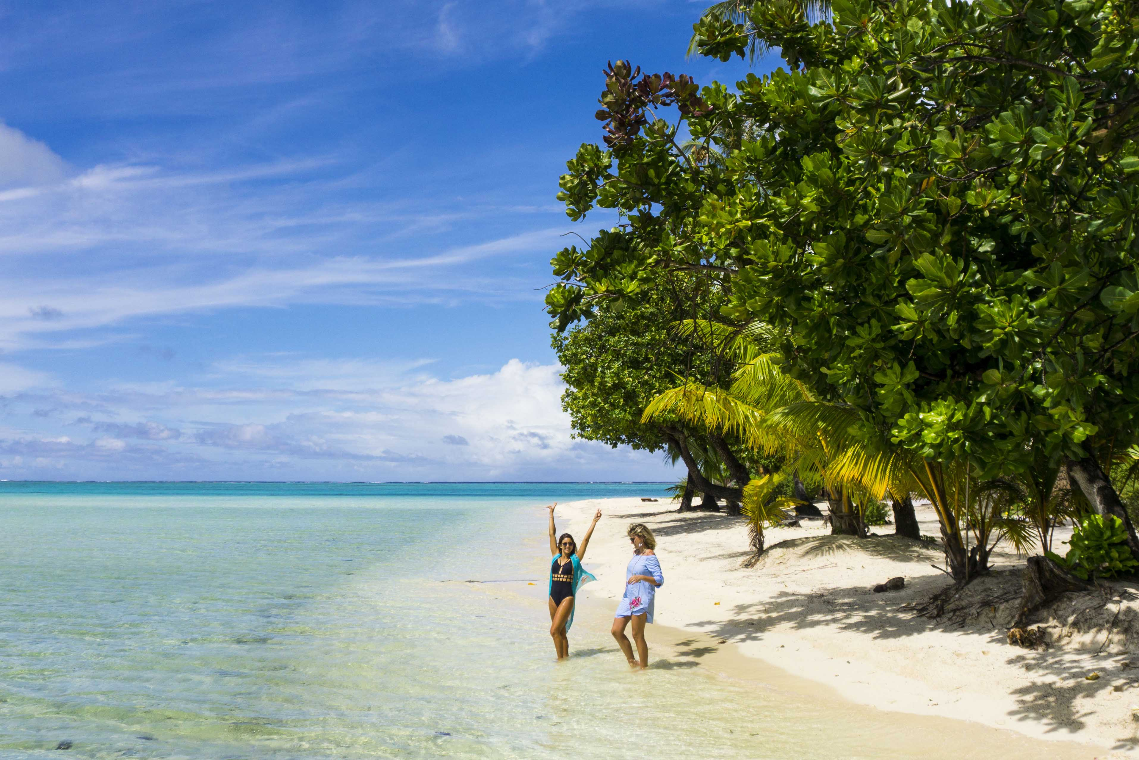 Praia na qual as beach villas estão - lindas, né?! Le Taha'a Island Resort